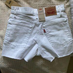 Levi Highrise Shorts